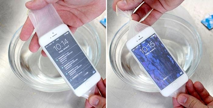 Bao cao su bọc điện thoại có khả năng chống nước tốt