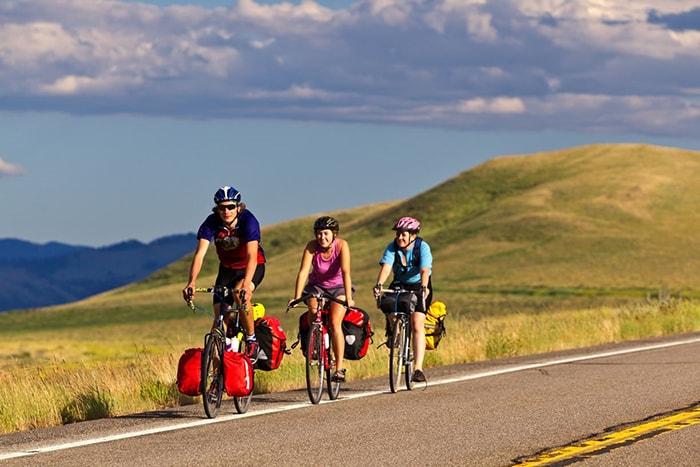 Đi phượt xe đạp cần tuân thủ các quy tắc để đảm bảo an toàn