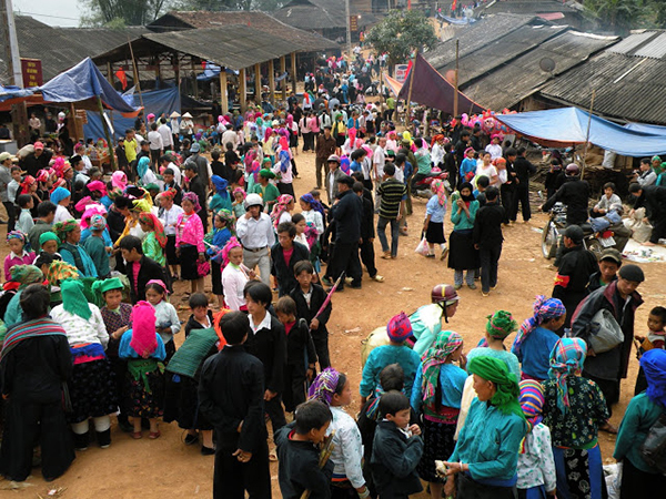 Lễ Hội Chợ Tình Khâu Vai