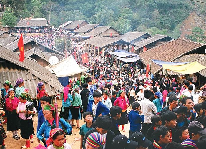 Chợ tình Khau Vai nổi tiếng ở Mèo Vạc
