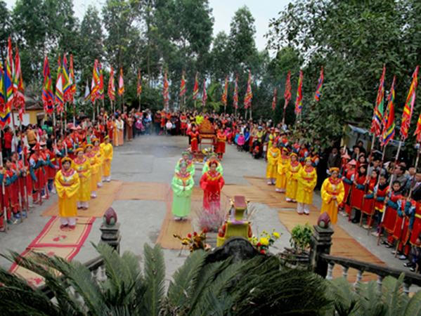 Lễ hội Đền Mẫu Thác Bà