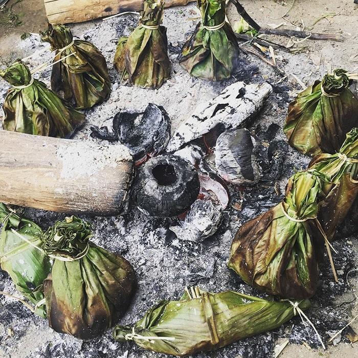Rêu đá nướng là món ăn khá độc đáo ở Lai Châu