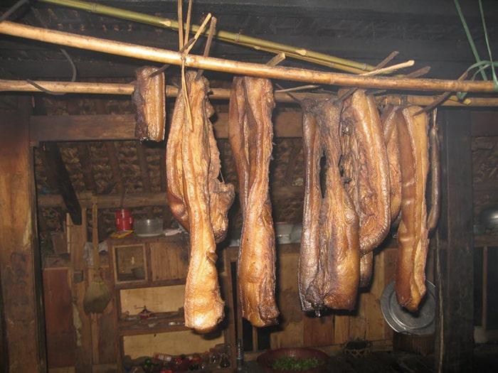 Thịt lợn hun khói Lai Châu
