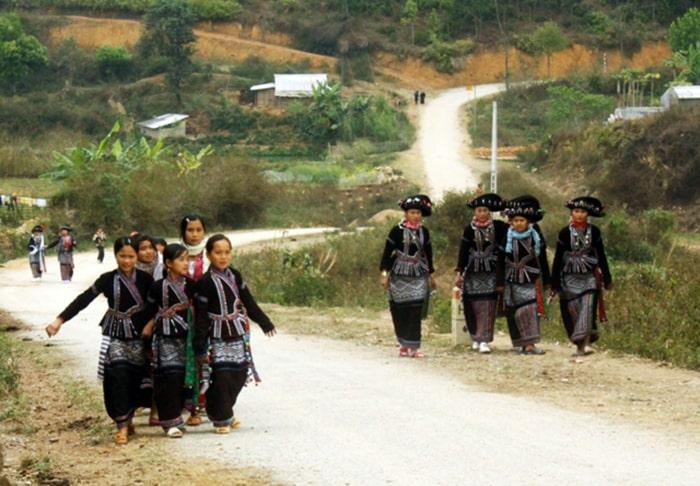 Người dân tộc Lào sống ở bản Nà Luồng