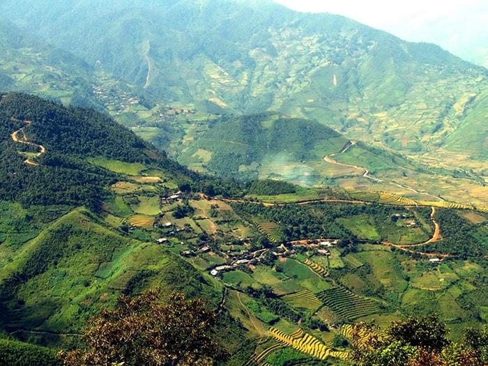 Đèo Khau Phạ nối 2 huyện Văn Chấn và Mù Cang Chải