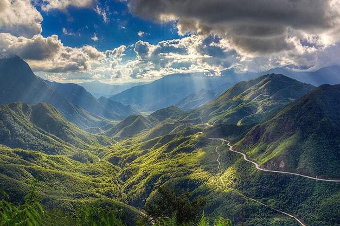 Đèo Ô Quy Hồ nối liền hai tỉnh Lào Cai và Lai Châu