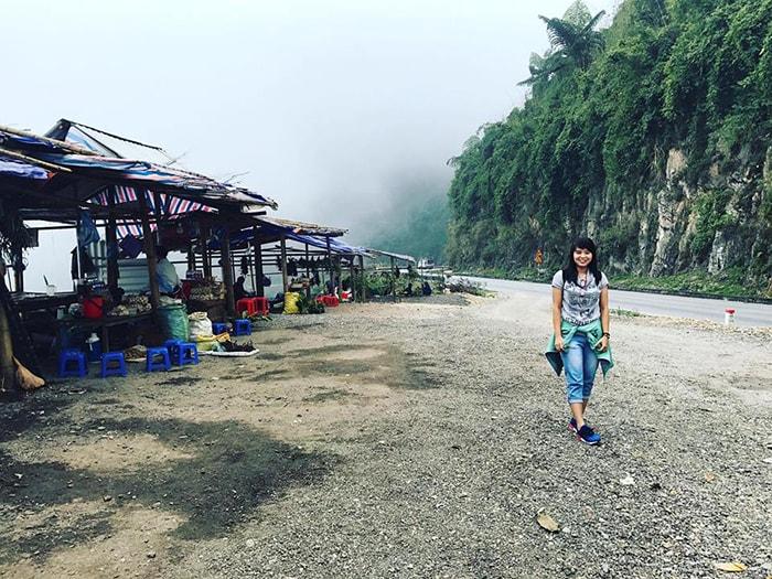 Chợ phiên trên đèo Thung Khe