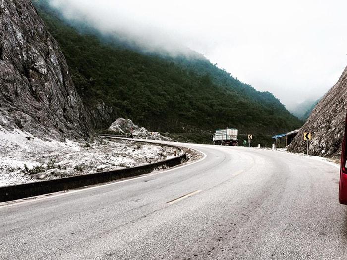 Đèo Thung Khe thuộc Quốc lộ 6, tỉnh Hòa Bình