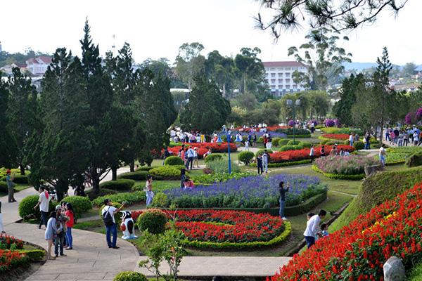 Phượt Đà Lạt những ngày cuối thu - Phần 3: Festival Hoa Đà Lạt 2015