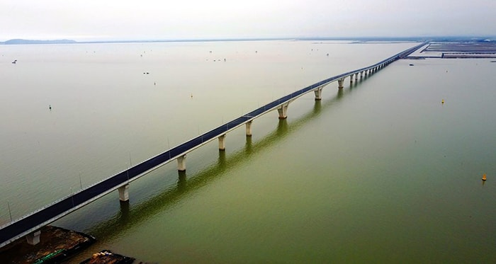 Cầu vượt biển Tân Vũ, Lạch Huyện