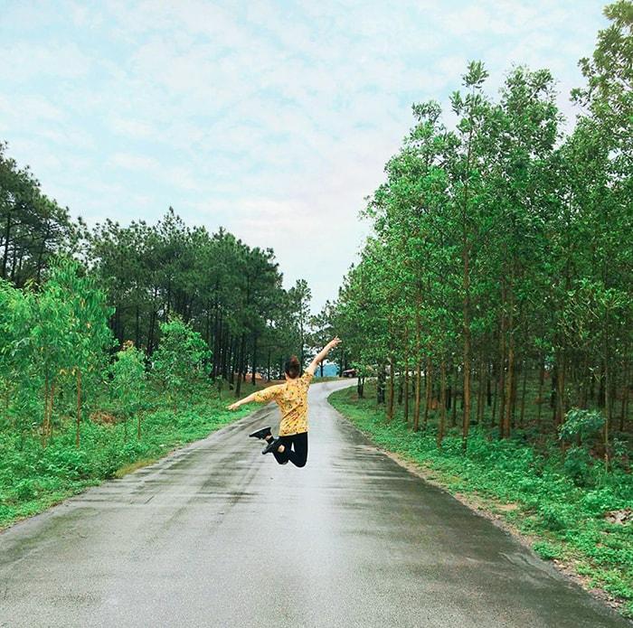 Đường vào hồ Yên Trung, tp Uông Bí
