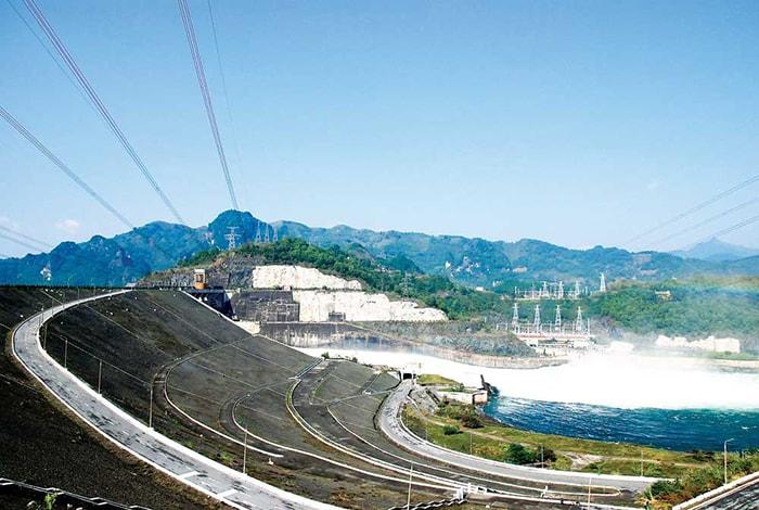 Phượt Hòa Bình thăm hồ thủy điện Hòa Bình