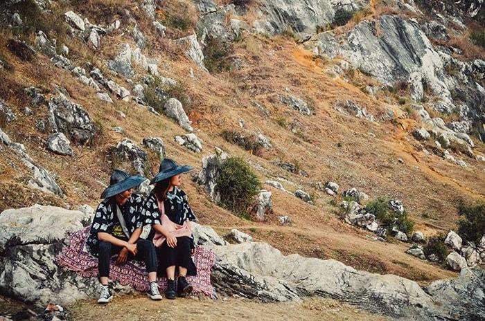 Núi Trầm là địa điểm đi phượt, cắm trại rất gần Hà Nội