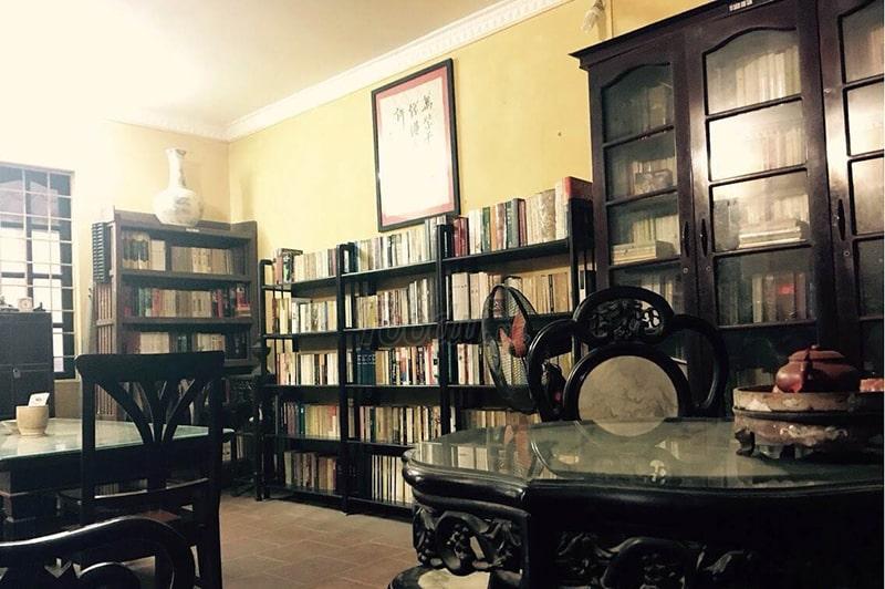 Cafe sách – 440 Âu Cơ, Hà Nội