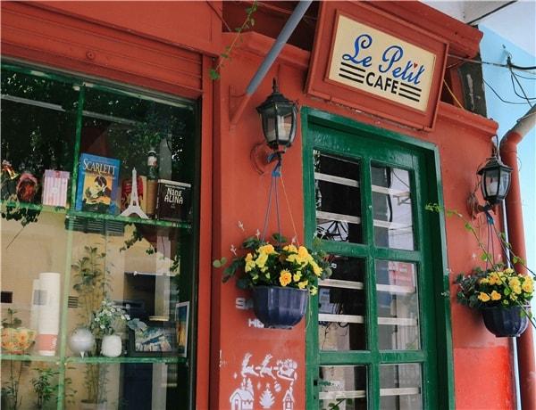 Cafe sách Hà Nội cho dân phượt những ngày rảnh rỗi