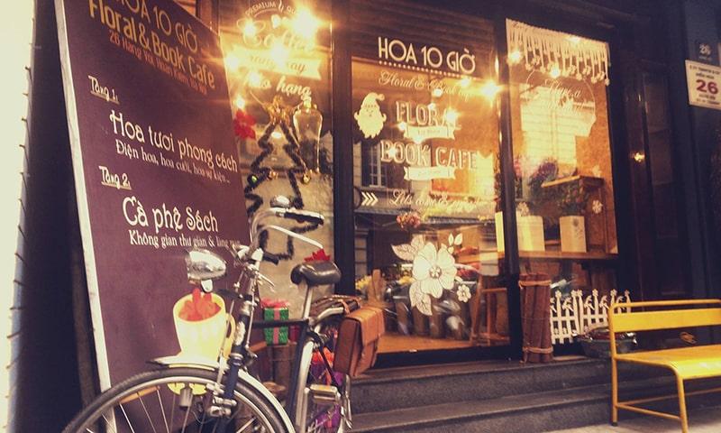 Hoa 10 Giờ (Floral & Book Café)