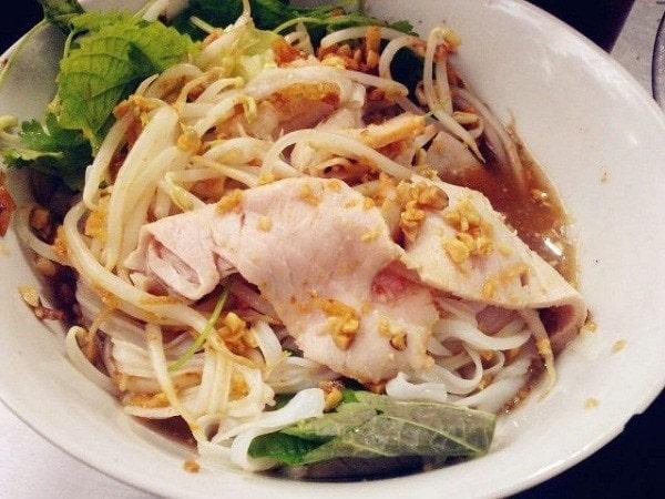 """Ẩm thực ngõ chợ Đồng Xuân hễ ăn là """"nghiện"""""""