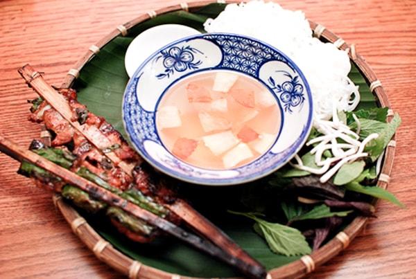 Ẩm thực ngõ chợ Đồng Xuân hễ ăn là