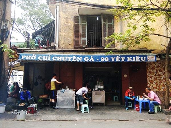 Thơm ngon phở gà gia truyền nổi tiếng phố cổ Hà Nội