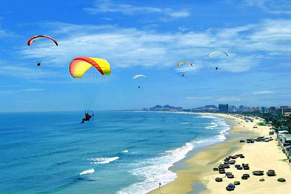 """6 địa điểm """"hot"""" của Đà Nẵng nên đi khi nghỉ hè"""
