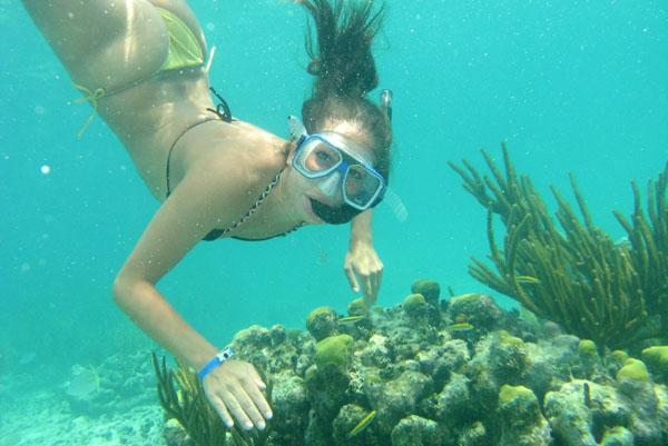 Lặn ngắm san hô, đi câu mực đêm là trải nghiệm mới khi đến với Hòn Thơm
