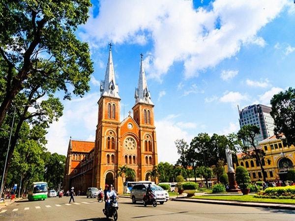 Kinh nghiệm du lịch Sài Gòn ít tốn kém khi đi một mình