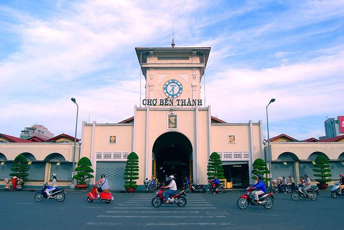Chợ Bến Thành nổi tiếng ở Sài Gòn