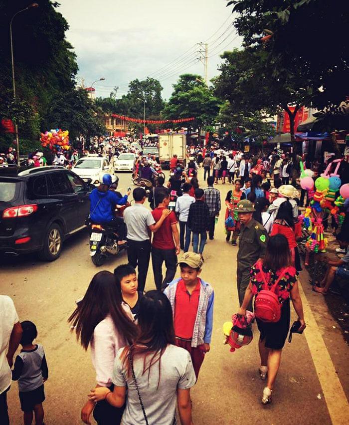 Chợ Tình Mộc Châu vào ngày mùng 2/9 hàng năm
