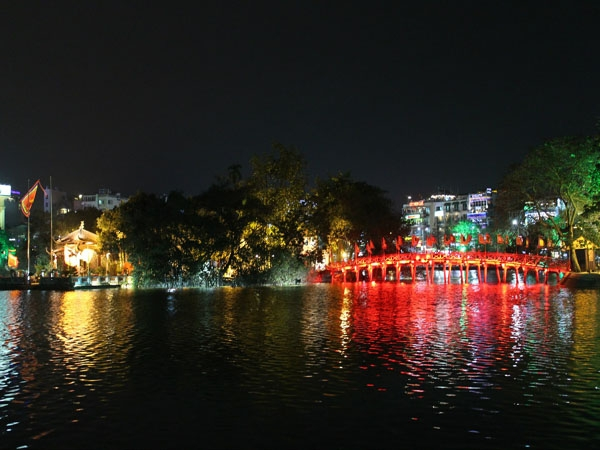 Những điểm thú vị về đêm ở Hà Nội không dân phượt nào bỏ qua