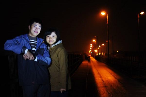 Men theo các con phố ra cầu Long Biên một công trình người Pháp