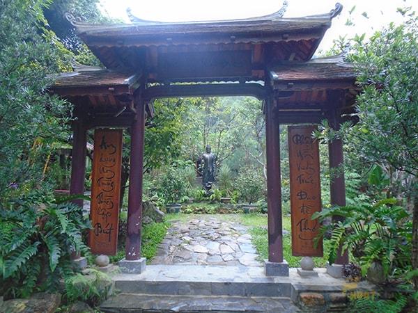 Tìm về chốn tiên cảnh trong chùa Huyền Không Sơn Thượng (Huế)