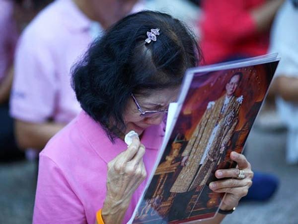Lời khuyên cho khách du lịch Thái Lan khi nhà vua vừa qua đời