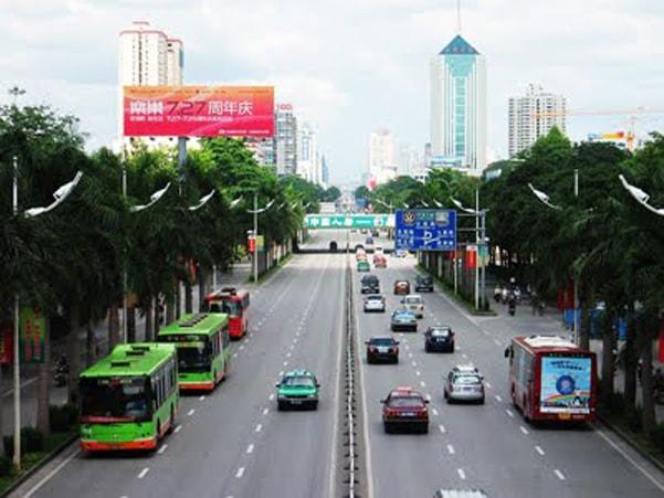 Trong nội thành Nam Ninh có rất nhiều xe buýt