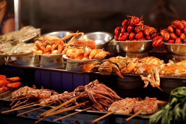 Đường Trung Sơn là con đường nổi tiếng về ẩm thực tại Nam Ninh