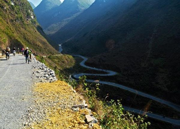 Cung đường lên Hà Giang ngắm hoa tam giác mạch qua nhiều đèo dốc