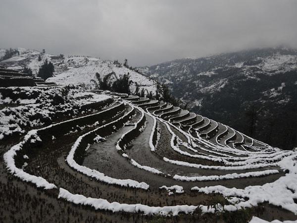 Những thửa ruộng bậc thang mùa băng tuyết nhìn cũng thật thơ mộng phải không nào?