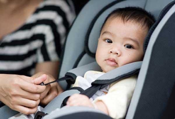 Làm thế nào để giúp trẻ dưới 2 tuổi thoải mái khi di chuyển?