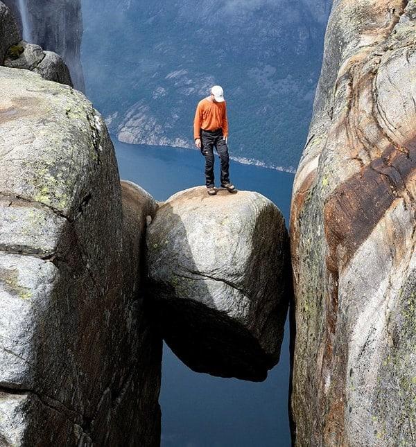 Tảng đá Kjeragbolten - Na Uy