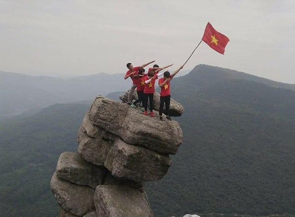 Review kinh nghiệm phượt Núi đá chồng Quảng Ninh