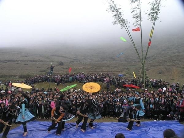 Du lịch Sa Pa đón Tết cổ truyền của người Mông
