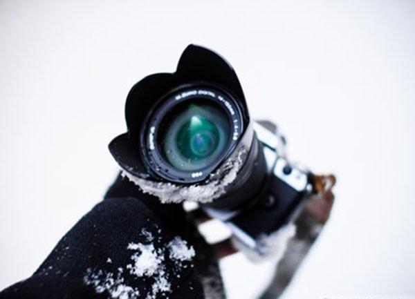 Không nên sử dụng máy ảnh trong môi trường nhiệt độ quá thấp