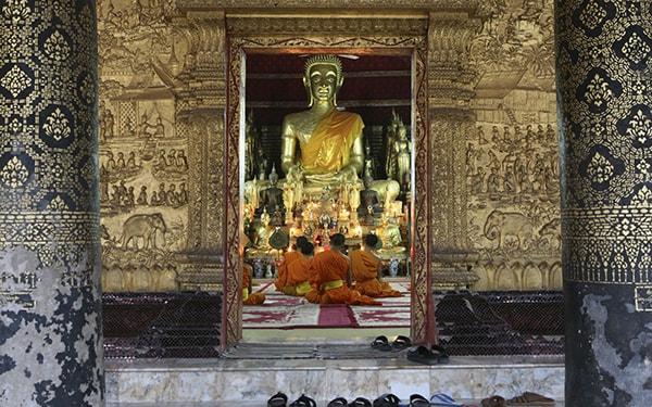 Luang Prabang là nơi tuyệt vời nhất để bạn tham quan hệ thống đền chùa ở Lào