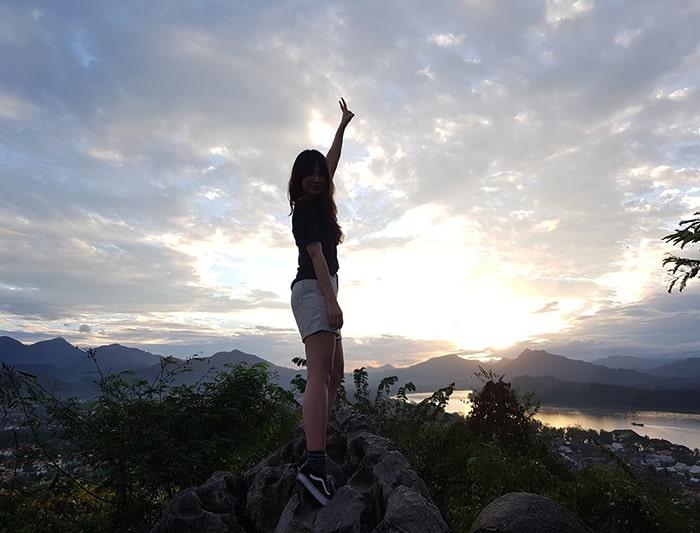 Hoàng hôn trên đỉnh núi PhouSi