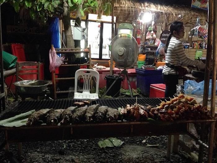 Đồ nướng là 1 trong những món ăn rất phổ biến ở Lào