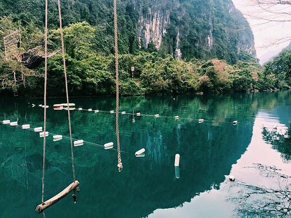 Khu du lịch suối Nước Moọc có nhiều cảnh đẹp và các trò vui chơi