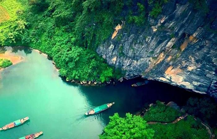 Lối vào động Phong Nha ở vườn quốc gia Phong Nha Kẻ Bàng