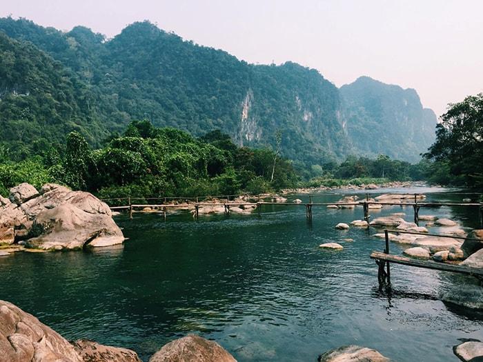 Suối Moọc Quảng Bình
