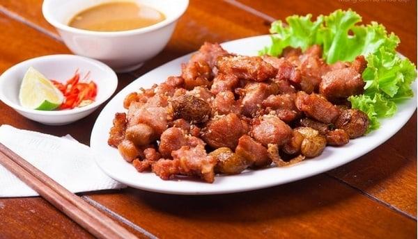 Món bê chao trở nên hấp dẫn qua bàn tay người đầu bếp ở Mộc Châu