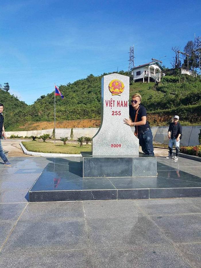 Cột mốc biên giới Việt Lào 255