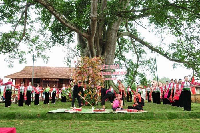 Lễ hội Hết Chá ở Mộc Châu diễn ra vào mùa xuân